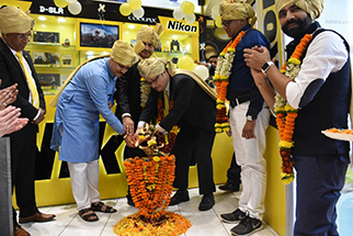 Nikon Strengthens Its Retail Presence In The Western Region Of India